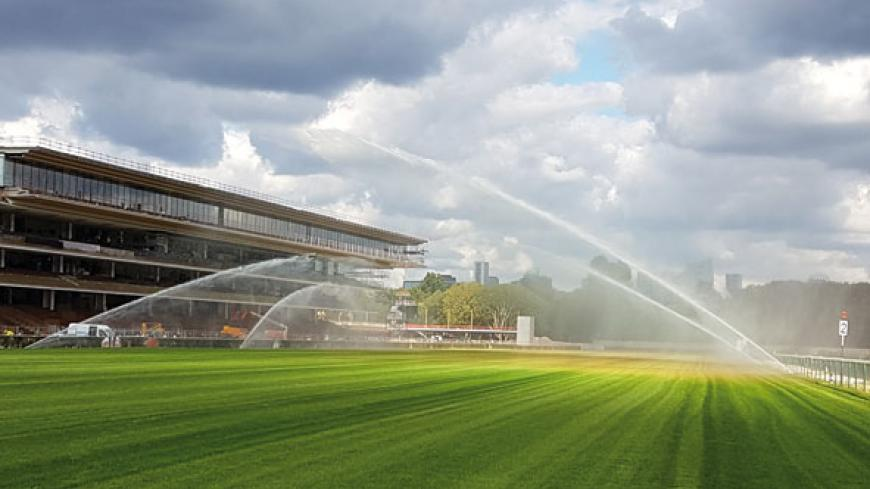THE LONGCHAMP RACECOURSE IS CURRENTLY UNDERGOING MAJOR RENOVATION WORK. IT WILL REOPEN ITS DOORS TO THE PUBLIC FOR THE BEGINNING OF THE 2018 SEASON, WITH A NEW DESIGN CREATED BY THE ARCHITECT DOMINIQUE PERRAULT.