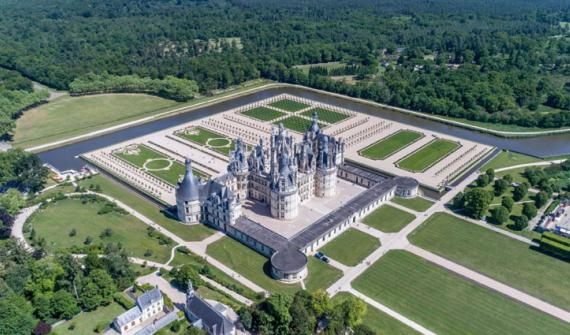 Renovation of château of Chambord  French-style gardens